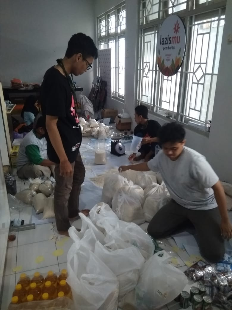Ketahanan Pangan, Lazismu PCM Bantul Kota Bagikan Paket Sembako